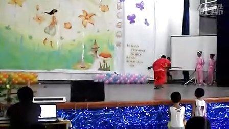 梅山岛梅中村暑期假日学校的演出
