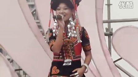 美女演唱的少数民族歌曲