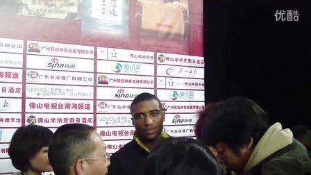 佛山中泰对抗赛泰拳王马库斯接受新浪体育采访
