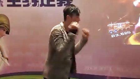 陳偉霆挑戰Xbox 360 Kinect跳舞勁作《Dance Central》