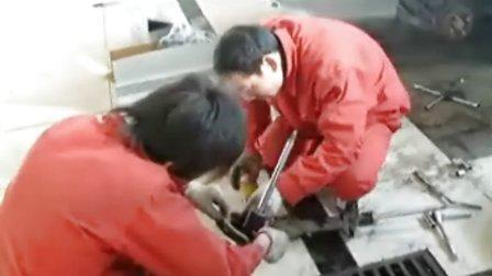 汽车修理培训-汽车更换减震器
