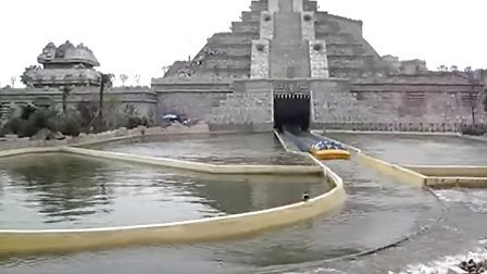 安徽芜湖方特乐园的神秘河谷。