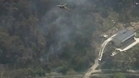 澳新南威尔士林火持续致一人死亡 131020 直播重庆