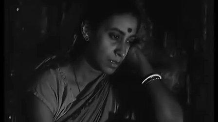 《大路之歌》1955印度雷伊导演 本片以一位不满十岁的少年的视线界来观赏人类与大自然生活的共通性,是