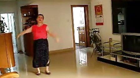 广场健身舞《丁香花》伴我学跳傣族舞