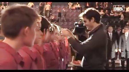 [精彩]2010巴塞尔 费德勒夺冠颁奖典礼和采访