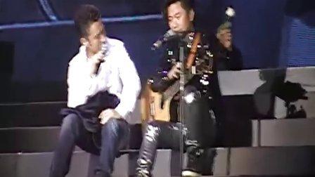 2011 01 22黄舒骏演唱会之吴秀波  现场版