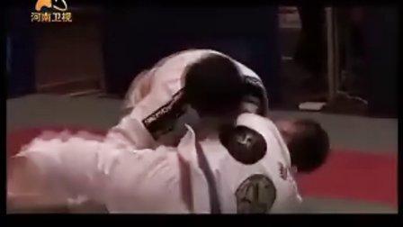 25日武林风 第一场:刘响明VS郭凯华