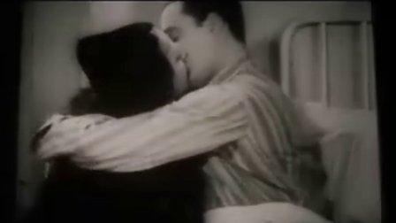电影《天堂电影院》结尾亲吻片段,经典不解释!