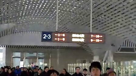 K68次列车进合肥站。