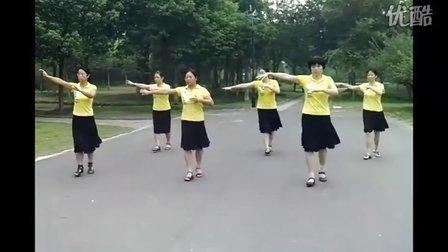 金坛体育馆广场舞:兵哥哥兵妹妹