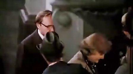 我们挤在电车里摇晃-安德烈·米亚赫科夫 演唱(电影《办公室的故事》原声插曲)