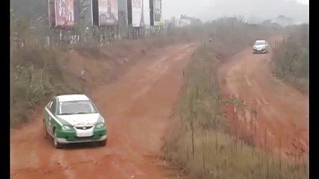 莲花汽车360度翻滚