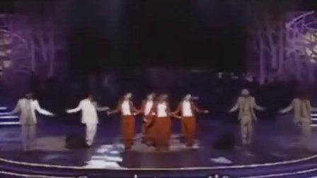 韩国元祖偶像组合:Fin.K.L(李孝利)-Now 红色风衣现场版 001105
