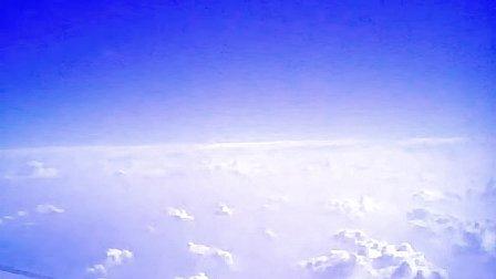 《蓝天白云》--成方圆演唱【图片机上自拍】