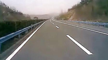 庆铃600P高速行驶!
