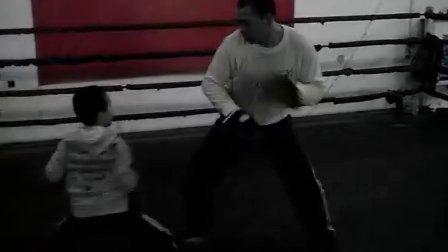 抚顺实验小学拳击少年09年