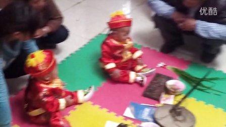 双胞胎儿子周岁纪念视频分享