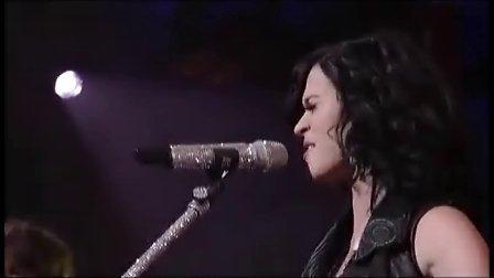 【猴姆独家】Katy Perry做客深夜脱口秀激情献唱新单Teenage Dream