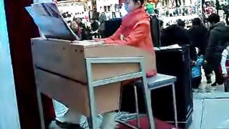 双排键电子琴《北京喜讯传边寨》演奏 杜婧孜