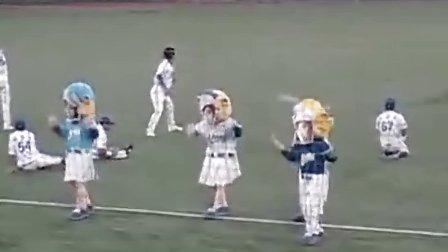 100820 Samsung Lions mascot 棒球赛 少女时代 组曲秀 超搞笑