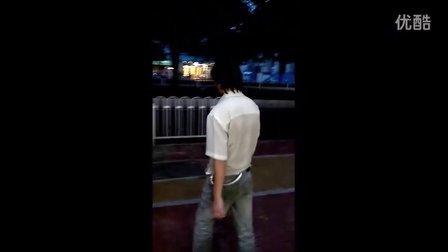6月28日傍晚广州天河城、正佳广场出现变态男袭击多名过路女(修正版第一部)