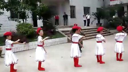资中县孟塘镇中心校艺术节-舞蹈《小小女兵》