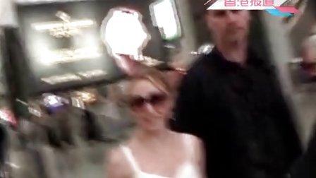 澳洲天后Kylie Minogue高调现身 香港站演唱即将开场 110701