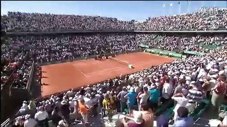 2011法网费德勒首轮vs Lopez赛后场上访问[法语]
