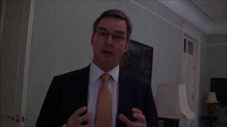英国气候变化特命大使艾士诚(John Aston)谈论低炭经济和气候变化