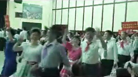 白桦林国际四方舞表演队。在北京第七届金五星红五月全国体育舞蹈邀请赛开幕式的表演。