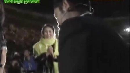 【张庆鹏在CBA全明星赛上向女友求婚】超浪漫!祝他们幸福快乐!