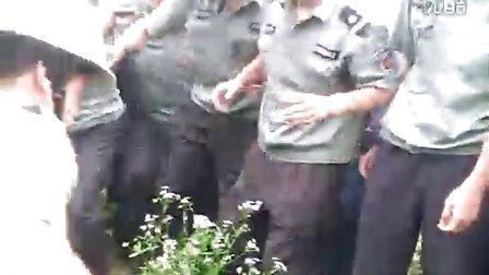 2011年6月13日句容市开发区执法大队长王学军率人暴力执法,七旬老太