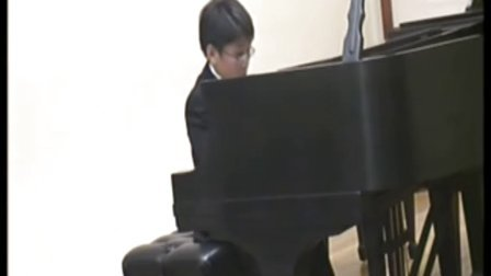 黎卓宇弹奏巴赫三部创意曲第二号