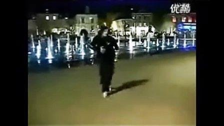 面具男鬼步舞