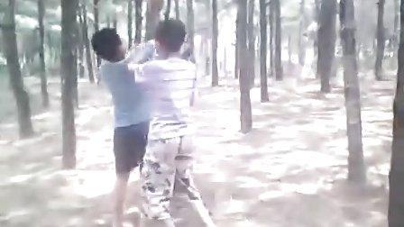 魏岗小学6人自拍搞笑视频QQ1825949073