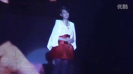刘若英《我们没有在一起》脱掉高跟鞋 2011世界巡回演唱会 扬州站