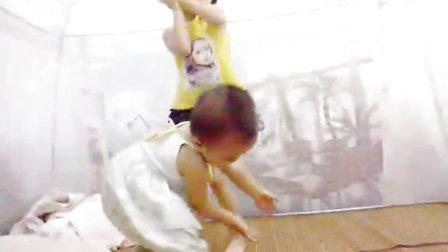 自由发挥的2岁童舞