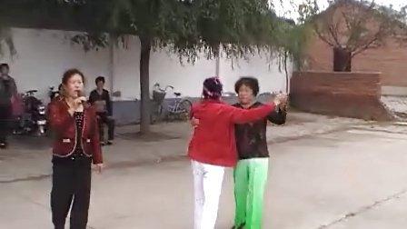 阜新市细河区河西村自娱自乐秧歌队迎十一实况录像(下)