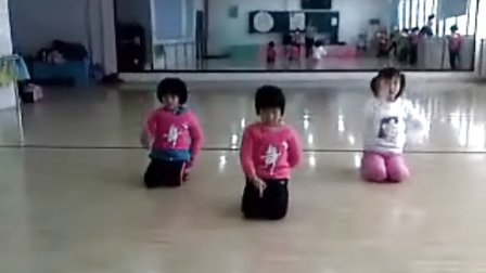 青园小学舞蹈课一年级二班《手眼练习