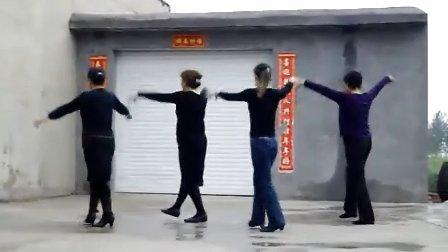 谷兴庄广场舞泼水节