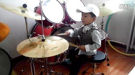 【让梦想飞】三岁鼓童咚咚摇滚小练习