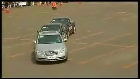 奔腾汽车中国首例真人侧翻实验