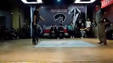 卓毅街舞比赛 poppin决赛 小黑VS威威(win)