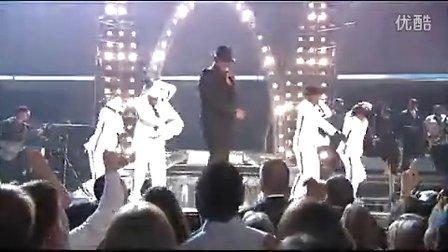 Usher & James Brown - Caught up, Sex Machine  2005 Grammy