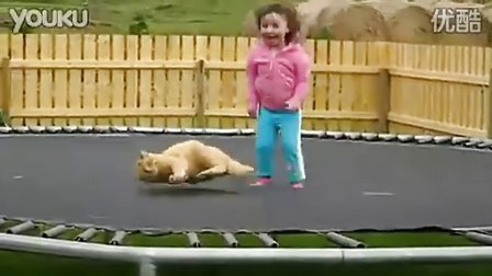 小萝莉虐猫