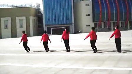 春晨健身队广场舞:兵哥哥.兵妹妹。