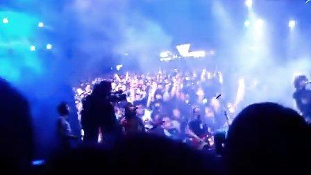 中国红!  中国牛逼!  2011上海迷笛音乐节唐舞台 痛仰乐队(MISERABLE.FAITH)开场