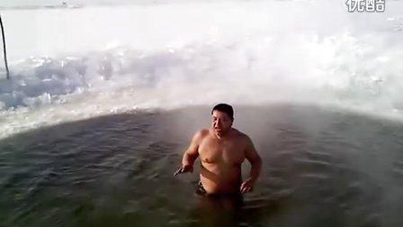 -36℃冬泳牛人