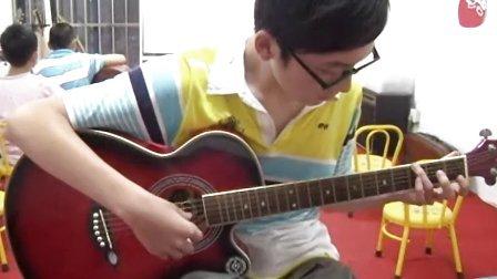 连云港木乐艺术培训学生指弹吉他回课视频《泰坦尼克号》主题曲《我心永恒》